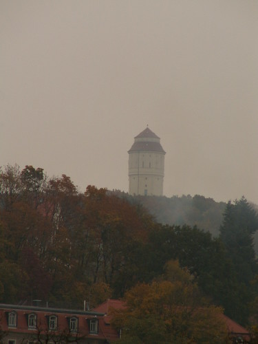 Ich will im düstern Lorbeerwald das Grab der Dichter sprengen, daß die Provence bis Radebeul widerhallt von tönenden Gesängen am Wasserturm 034