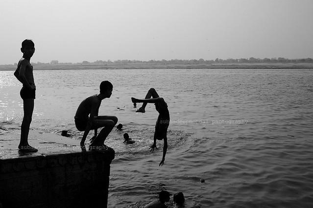 Summersault in ganges, Varanasi, 2011