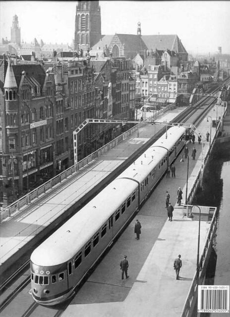 Station Beurs - stroomlijnmateriaal DE3