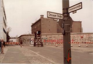 Dessauer Strasse @ Stresemann Strasse   by popo.uw23