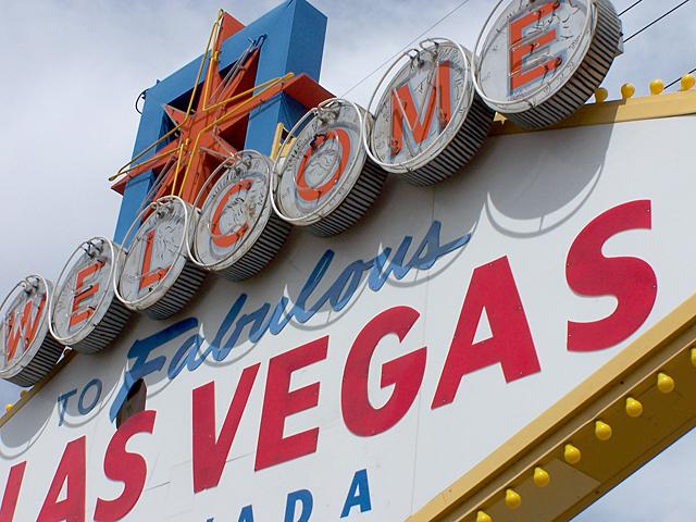 Vegas sign 1.jpg