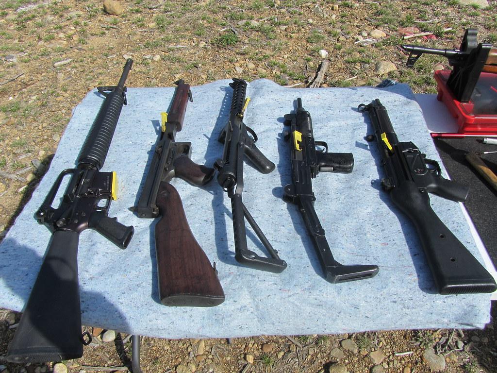 039L to R ~~ M16 ~THOMPSON ~ STERLING~ UZI~ MP5~ AK47 | Flickr