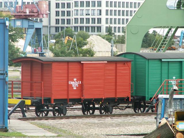 eisenbahnwagen-hafen-096