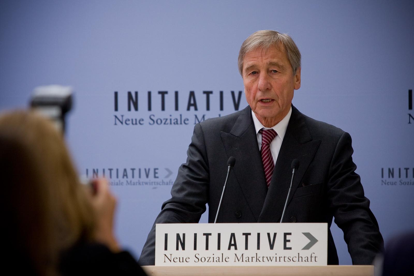 Wolfgang Clement bol od roku 2002 do roku 2005 spolkovým ministrom hospodárstva a práce.