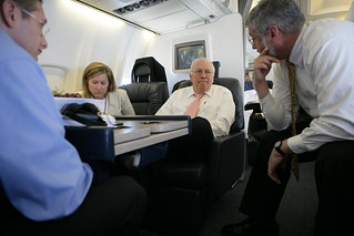 Vice President Cheney Talks with David Addington, Lea Anne McBride, John Hannah and Joe Wood Aboard Air Force Two En Route to Dubrovnik, Croatia