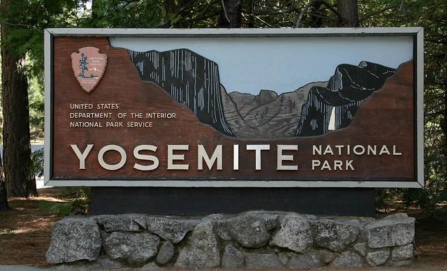 Sign at the Big Oak Flat entrance