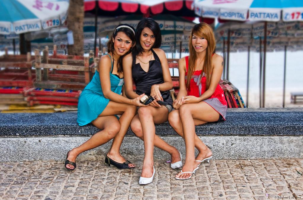 thai-beach-girls