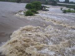 Cheia no rio Jacu em 2007 | by Henrique Neto