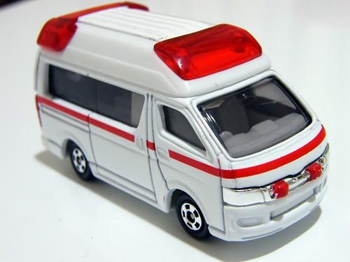 Toyota Himedic - Tomica | by emrank