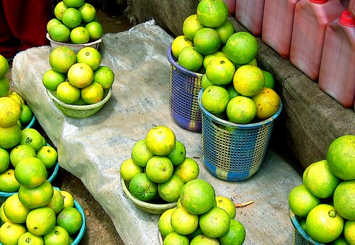 africa green yellow fruit colours order market symmetry nigeria oranges sales streetmarket abuja artisticexpression