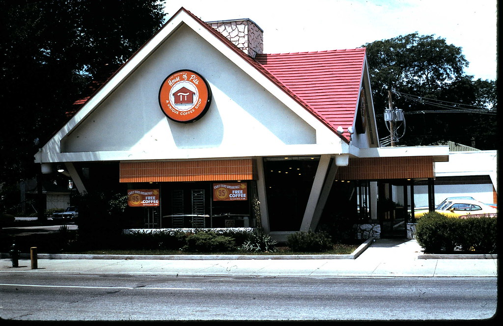House of Pies 1973 | Pie restaurant on Harlem Ave that is no