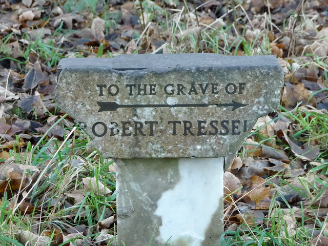 Sign to Robert Tressell's grave.