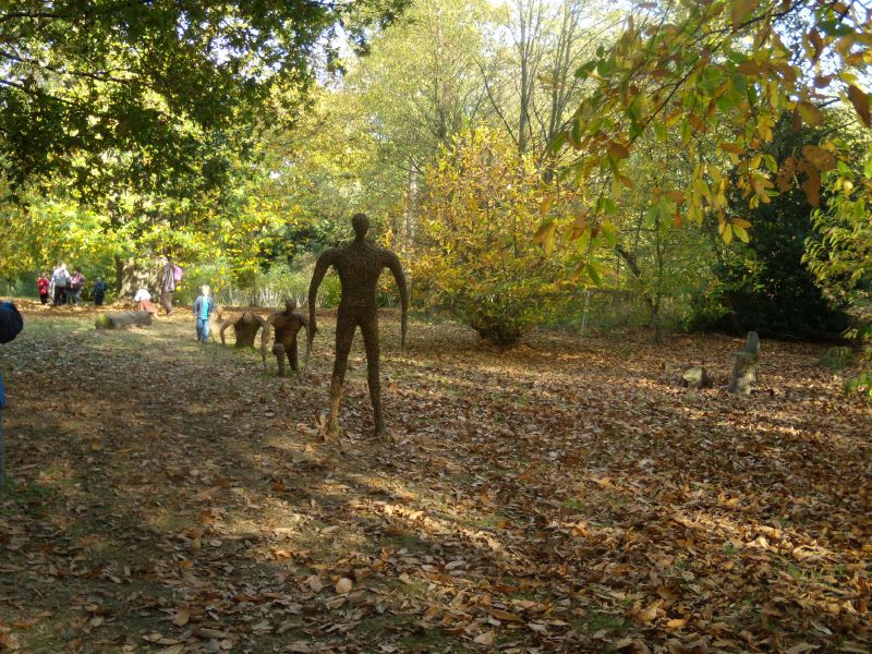 Wicker figures Winksworth Arboretum, Milford to Godalming