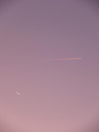 pink sky italy moon plane sunrise italia tuscany toscana leporino fingernailmoon