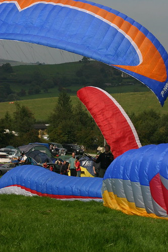 Sat, 09/09/2006 - 13:54 - Colours at the Free Flight Festival, Pic - Pete Bursnall