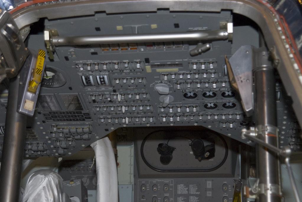 apollo capsule interior - 1023×685