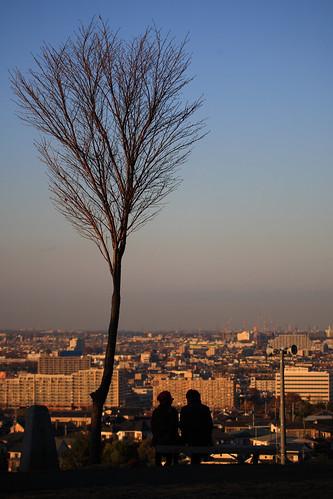 park sky tree silhouette japan geotagged tokyo blog couple observatory tama 日本 東京 木 sunsetpark 夕暮れ 空 公園 東京都 カップル 展望 桜ヶ丘公園 mrhayata 多摩市 夕日の丘 geo:lon=139460889 geo:lat=35641887