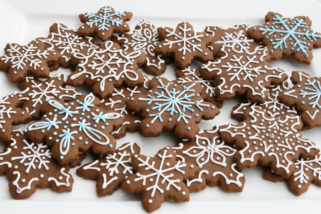 Gingerbread Snowflakes Gingerbread Cookies Made For A Cook Flickr