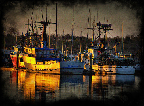 california sunset sunlight reflection water marina photoshop boat marine ps explore hdr eureka photomatix 200811