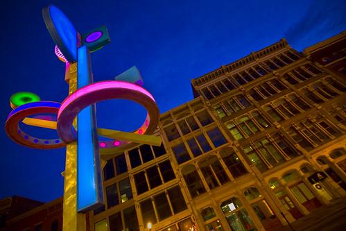 sculpture classic architecture modern night mainstreet louisville sigma1020mm project365 20090101 dglframe