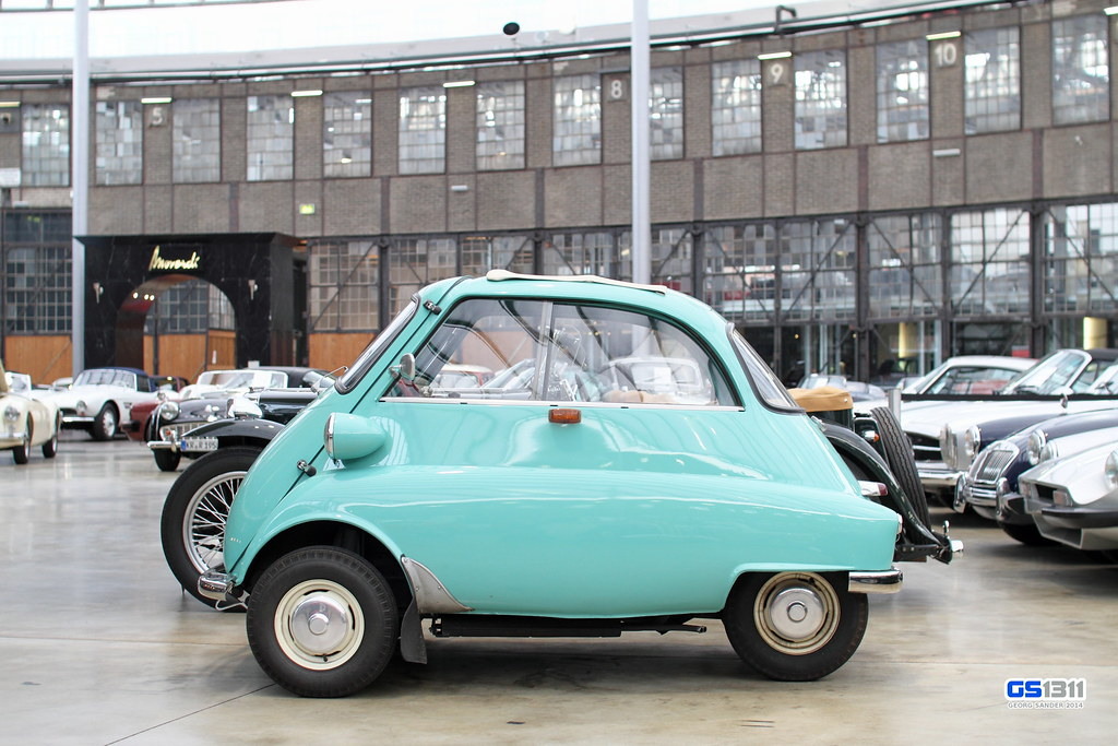 1955 - 1962 BMW Isetta | See more car pics on my facebook pa