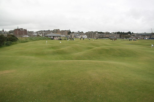 St Andrews och The Himalayas – Ladies Putting Club.