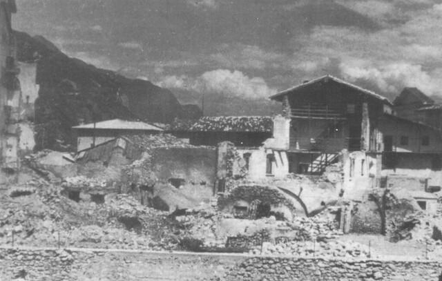 la Piazza Grande, Calliano, 1945