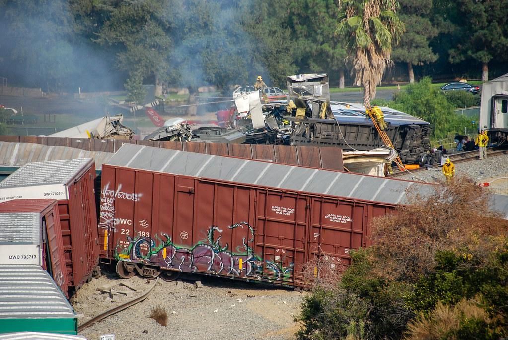 Ceremonies Mark 10th Anniversary of Deadly Chatsworth ...  |Chatsworth Train Wreck California