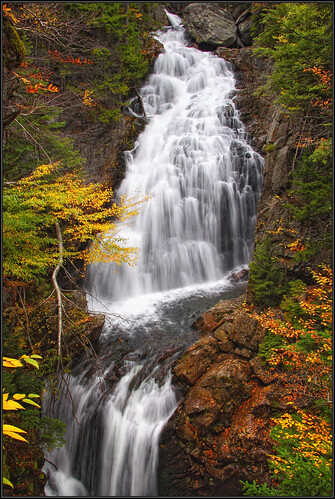 autumn waterfall interestingness newhampshire whitemountains fallfoliage waterblur 30d granitestate tuckermanravinetrail crystalcascade mtwashingtonvalley