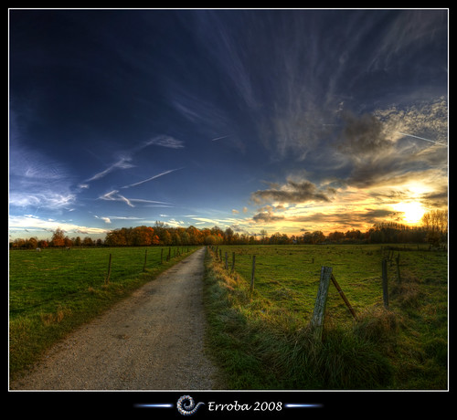 blue trees sunset sky orange green grass yellow clouds photoshop canon fence rebel belgium belgique tripod belgië sigma tips remote 1020mm erlend barbwire hdr mechelen cs3 3xp photomatix tonemapped tonemapping xti 400d vertorama konijnenstraat erroba robaye erlendrobaye