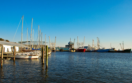 water docks boats northcarolina oriental shrimpboat pamlicocounty neuseriver nikond80 southpaw20 nikkor18135mmf3556dx