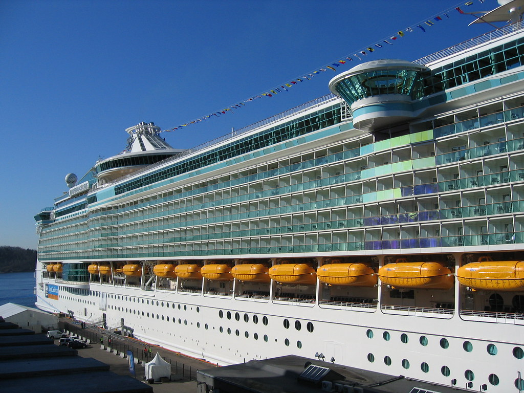 The biggest cruise ship in the world | The Independence of t… | Flickr