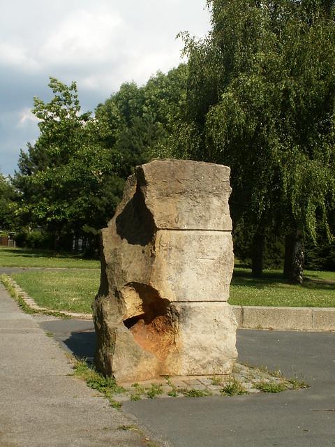 saeule-stein-kunst-023