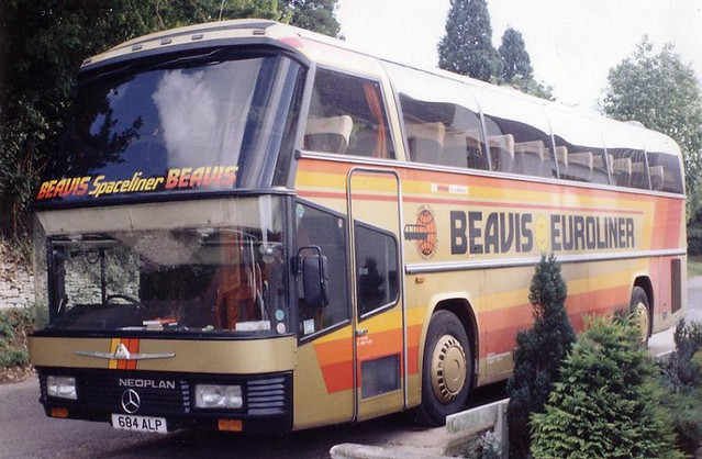 The only UK registered N117/2 Neoplan Spaceliner