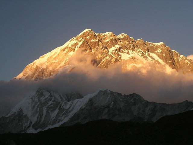 Next yogatrekking in Everest region with Eric Lon: Oct 2012.