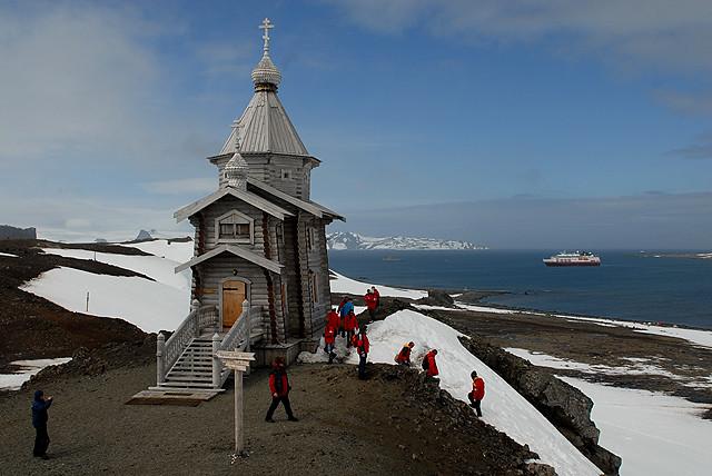 Antarctica: Russia's Bellingshausen station Orthodox chirc… | Flickr