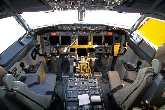 AeroMéxico - Boeing 737-752 (XA-VAM) - Flight Deck | Flickr