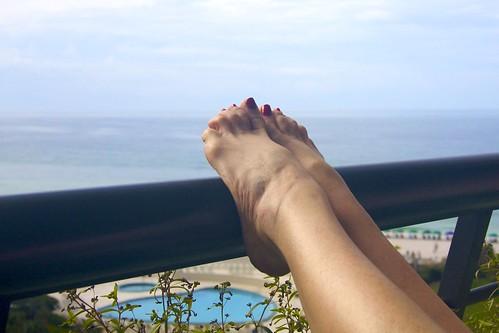 gulfofmexico toes view legs florida balcony destin