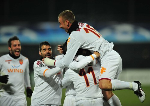 FBL-EUR C1-CFR CLUJ-AS ROMA   AS Roma's against players ...