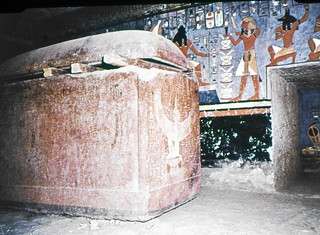 RAMSES 1 SARCOPHAGUS IN TEMPLE pugh family photos933