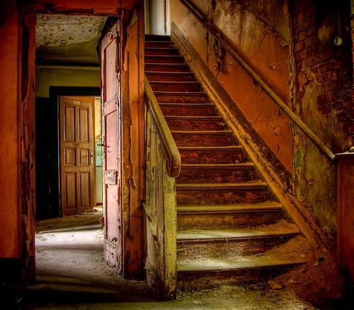 devilhouse hdr batram stairs staircase scary dacayed ruin door abandoned bratanesque hotel bremerhof schwarza interestingness urban exploration lostplaces lostplace veburbexthuringia vanishingextraordinarybuildings