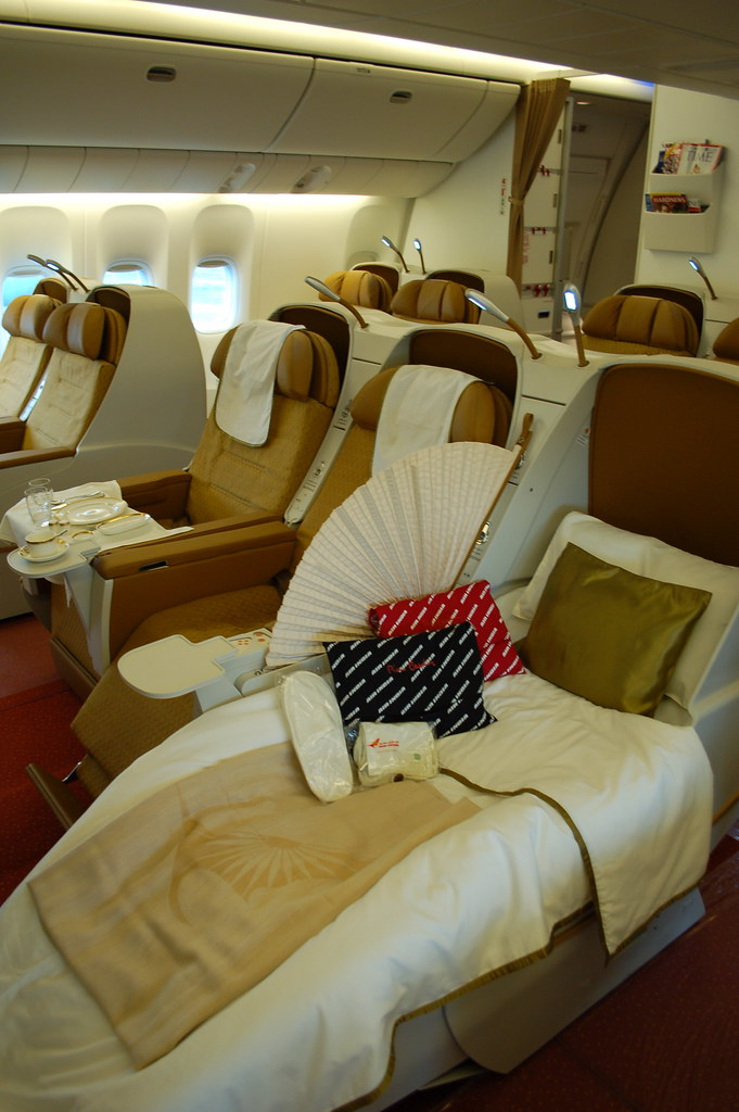 Air India Boeing 777-300ER VT-ALN Business Class