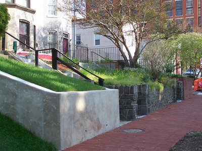 Typical concrete retaining wall constructed by DDOT on the 900 block of 2nd Street NE