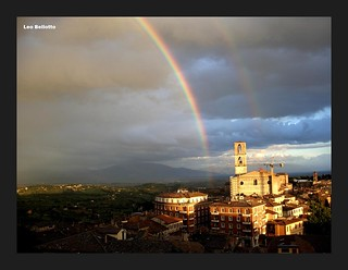 Un fantastico arcobaleno su Perugia