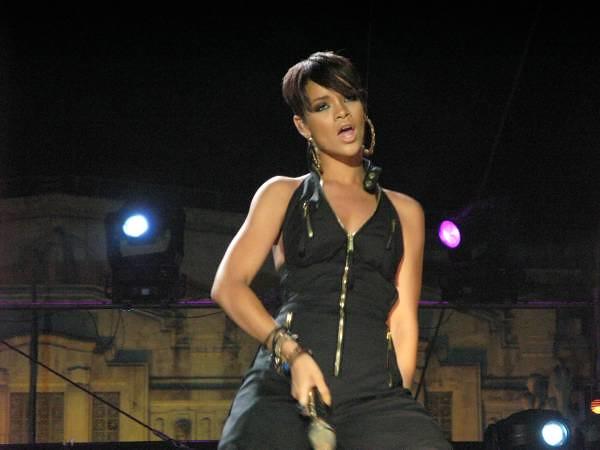 Rihanna xxx Rihanna Leaked