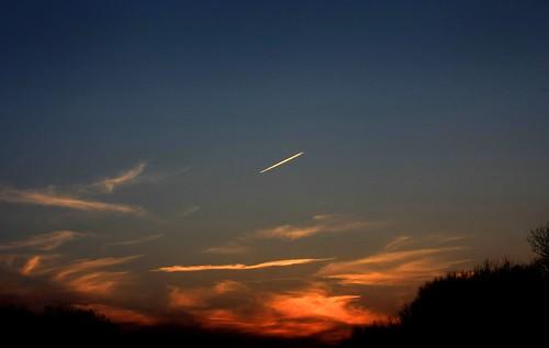 sunset airplane haveyoueverlookedupseenaplaneandwishedyouwereonit