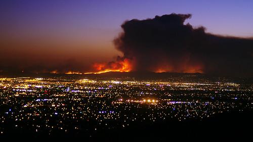 sunset landscape fire evening twilight dusk smoke blaze complex fiery ranchocucamonga inlandempire sanbernardinocounty californiawildfires trianglefire yorbalindafire 91freewayfire diamondbarfire chinohillsfire