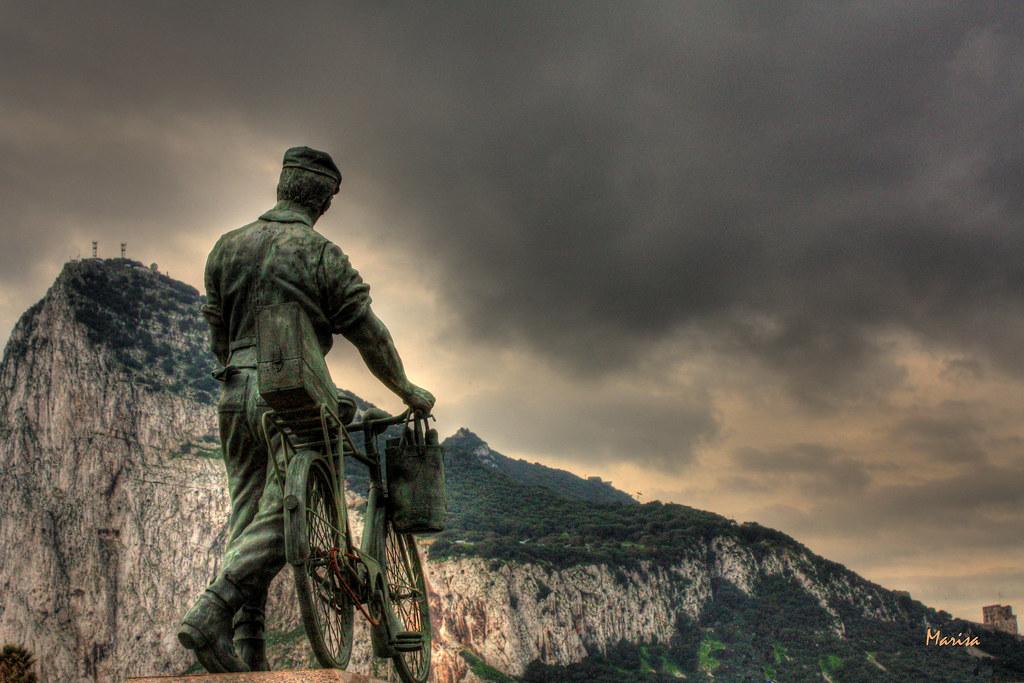Monumento a los trabajadores españoles en Gibraltar | Flickr