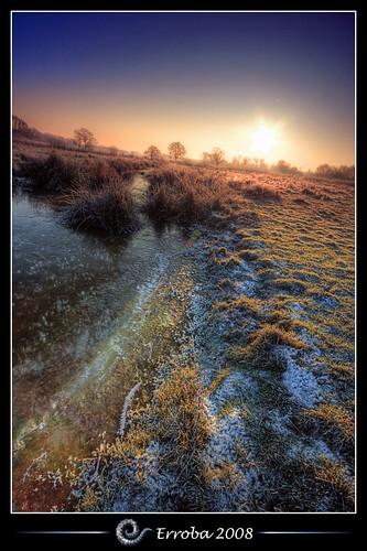 tree ice grass creek photoshop sunrise canon rebel frozen belgium belgique tripod belgië sigma naturereserve tips remote 1020mm erlend hdr mechelen cs3 3xp photomatix tonemapped tonemapping xti 400d hetbroek erroba robaye erlendrobaye vosplusbellesphotos