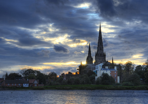 uk greatbritain sunset england sky nikon cathedral staffordshire midlands lichfield d300 lichfieldcathedral staffs corica stowepool dazat